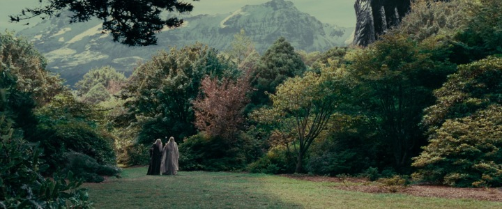 lotr1-movie-screencaps.com-5435-isengard-garden
