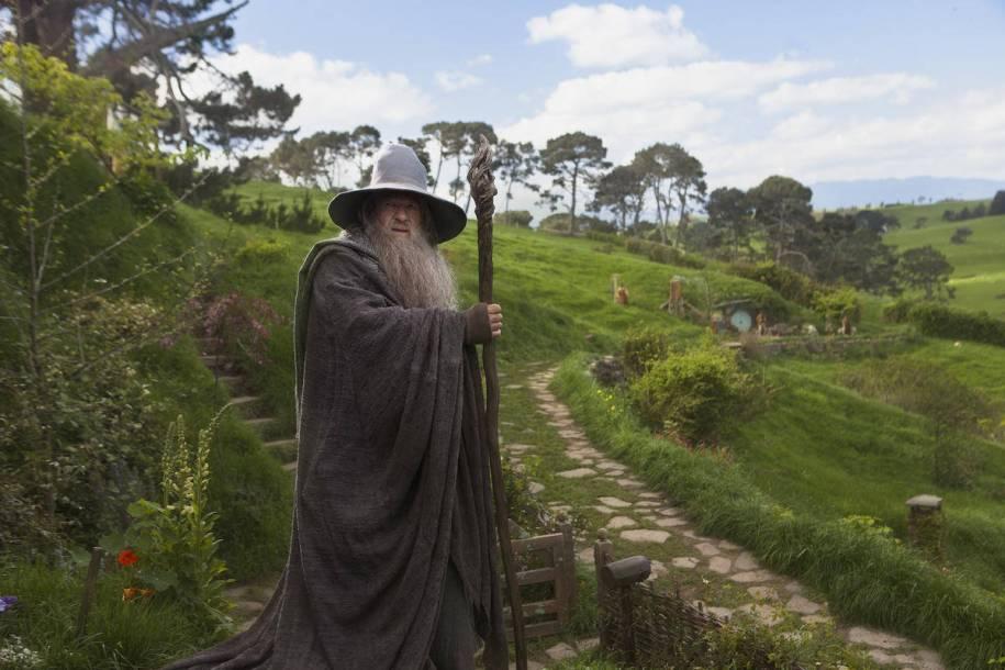 gandalf-in-hobbiton